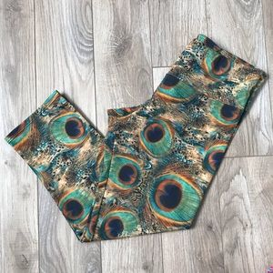 NEW Onzie peacock feather cropped leggings S/M